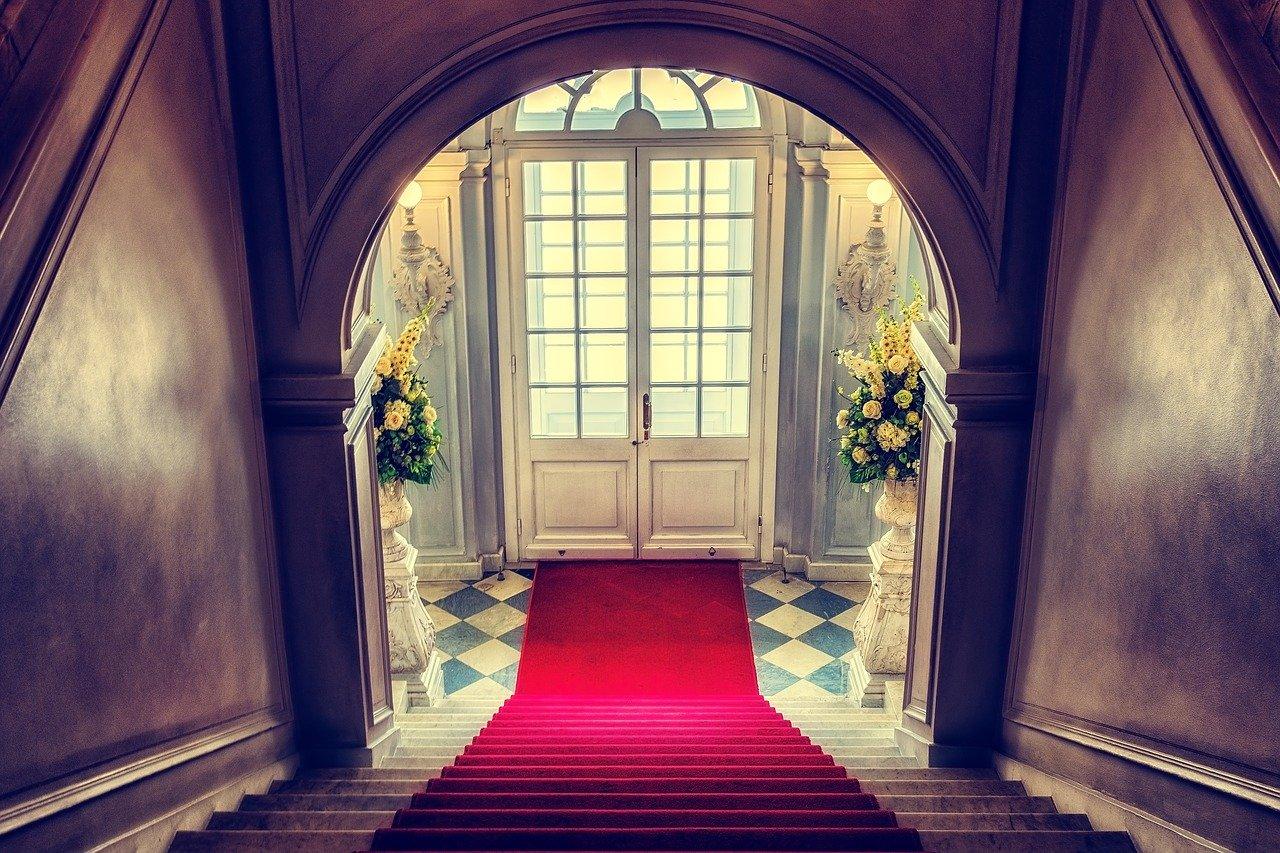 Quel carrelage accueillant dans un hall d'entrée?