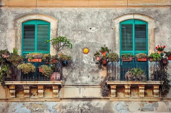 4 raisons importantes pour aimer le balcon en fer et en fonte