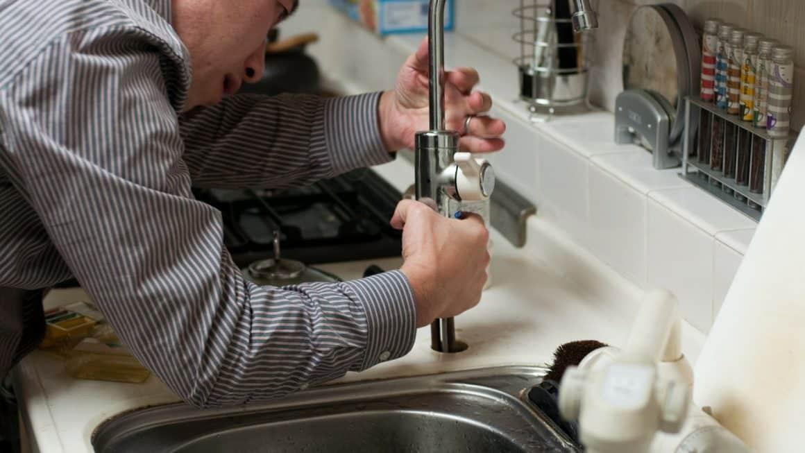 Comment trouver un plombier fiable à paris ?